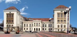 Studenți de la UMF Iași duși cu mascații la Parchet