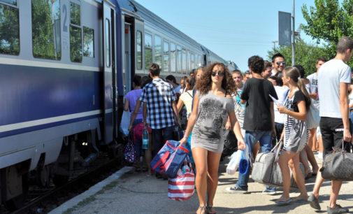 Trenurile Soarelui 2017: WiFi si mini bar in calatoria cu trenul catre mare