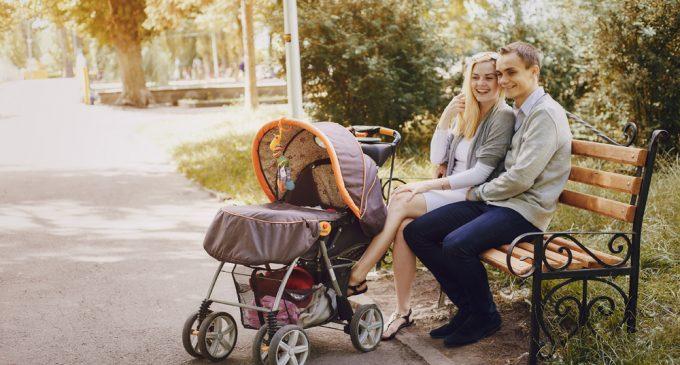 Cum alegem caruciorul pentru bebe? Bonus top 5 cele mai cumparate carucioare copii din Romania